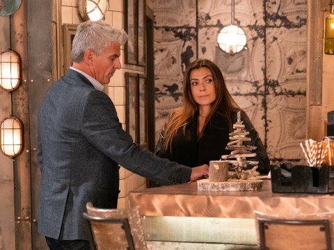 What is Michelle planning to do to Robert in Coronation Street?