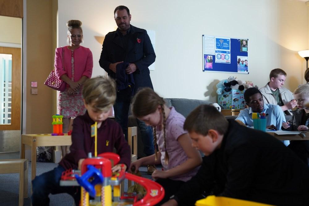 Mick, Linda and Ollie Carter in EastEnders