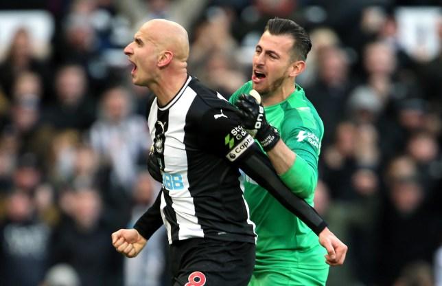 Newcastle United's Jonjo Shelvey (left) celebrates scoring his sides second goal with Martin Dubravka