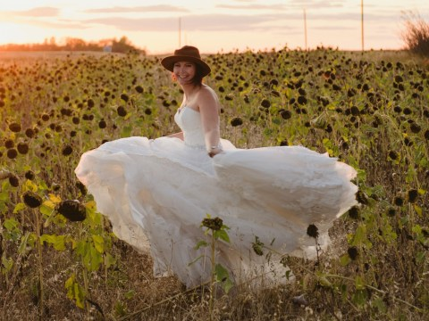 Widow takes pictures of herself in her wedding dress every year to honour late husband