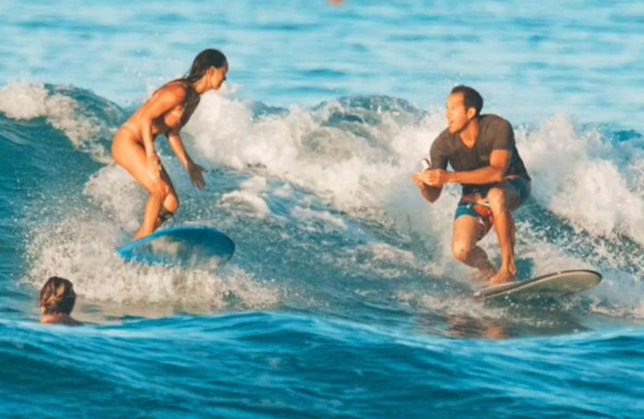 Chris Garth proposing to girlfriend who's surfing in Honolulu
