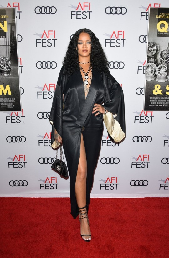 Hollywood, CA - Singer Rihanna arrives at the AFI FEST 2019 - Opening Night Gala - Premiere Of Universal Pictures' 'Queen And Slim' held at the TCL Chinese Theatre IMAX. Pictured: Rihanna BACKGRID USA 14 NOVEMBER 2019 BYLINE MUST READ: MediaPunch / BACKGRID USA: +1 310 798 9111 / usasales@backgrid.com UK: +44 208 344 2007 / uksales@backgrid.com *UK Clients - Pictures Containing Children Please Pixelate Face Prior To Publication*