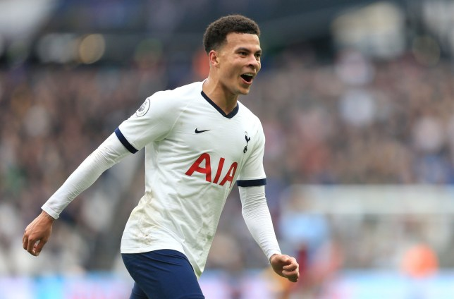 LONDON, ENGLAND - NOVEMBER 23: Dele Alli of Tottenham Hotspur celebrates after his team score their second goal during the Premier League match between West Ham United and Tottenham Hotspur at London Stadium on November 23, 2019 in London, United Kingdom. (Photo by Stephen Pond/Getty Images)