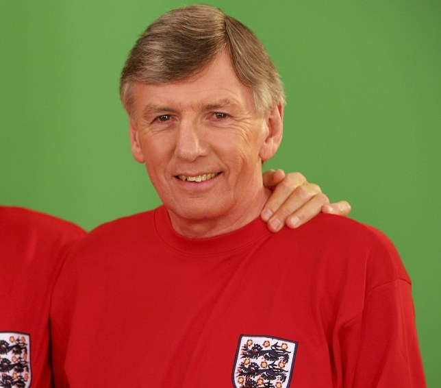 Martin Peters has passed away at the age of 76