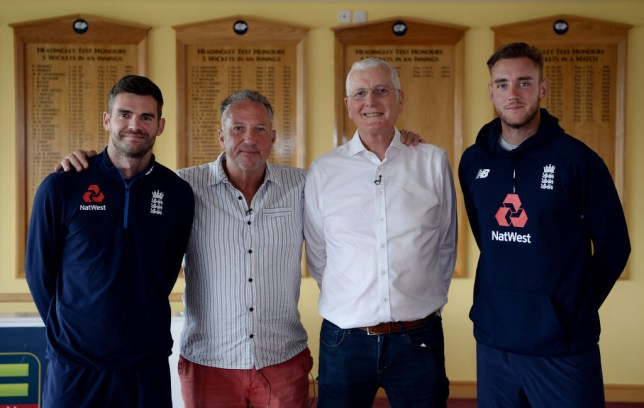 Sir Ian Botham has paid tribute to his former England team-mate Bob Willis