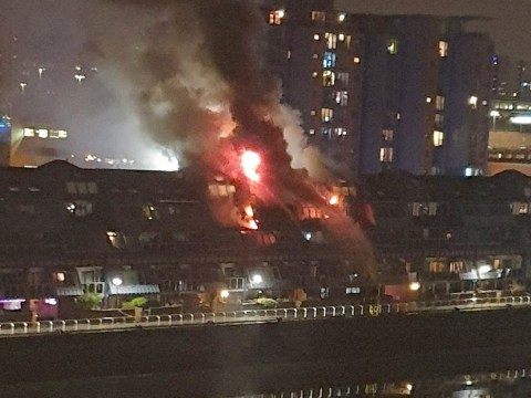 Firefighters called to major blaze at Glasgow flats