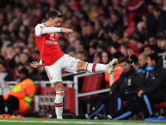 Mezut Ozil throws strop after being subbed early in Arsenal's clash vs Man City