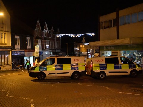 Man stabbed to death in front of Christmas shoppers