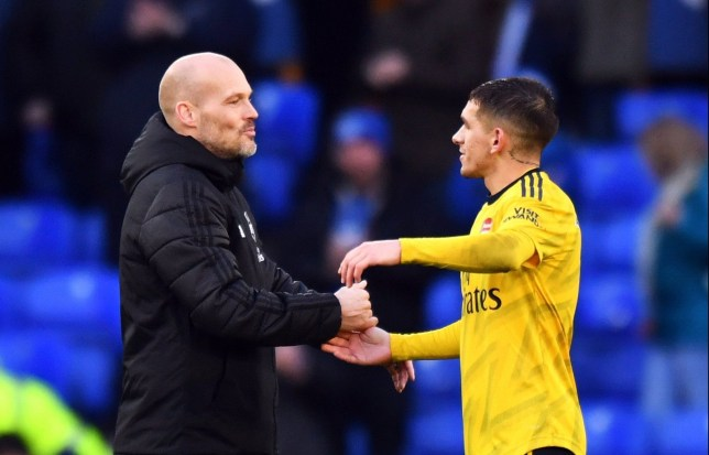 Lucas Torreira's class gesture to Freddie Ljungberg after final Arsenal game