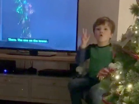Four-year-old interprets TV shows into sign language for his parents who are both deaf