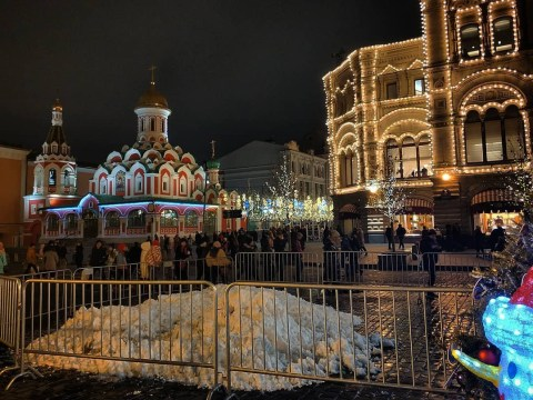 Moscow is pumping out fake snow in warmest winter on record