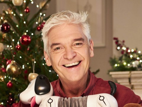What time is Phillip Schofield's Christmas TV programme How to Spend It Well on tonight and is this the last episode?