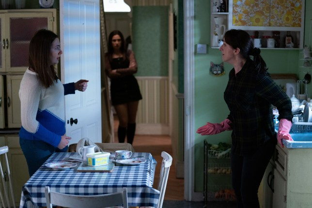 Dotty and Bex row in EastEnders