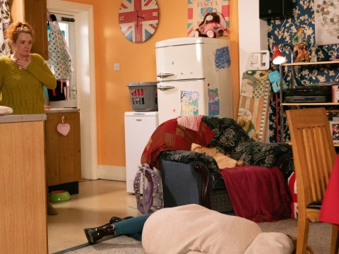 Coronation Street spoilers: Horror for Fiz Stape as evil Jade Rowan disappears after violent attack
