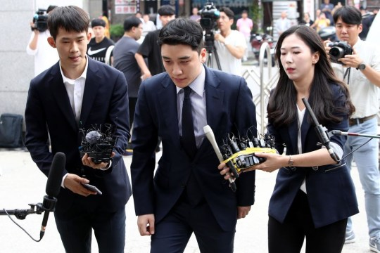 Seungri at court