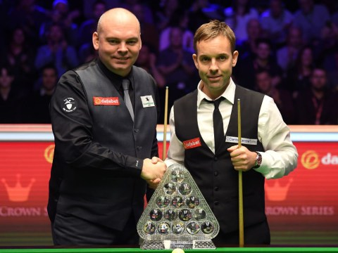 Stuart Bingham takes narrow lead over Ali Carter into the second session of Masters final