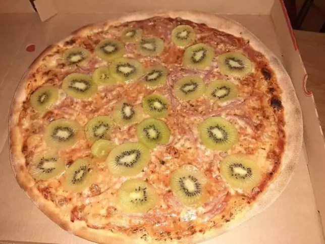 Forget pineapple, kiwi fruit on a pizza is now a thing (Picture: nre1313/Reddit)