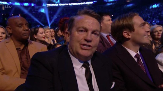 Bradley Walsh's losing face is leaving viewers in stitches.