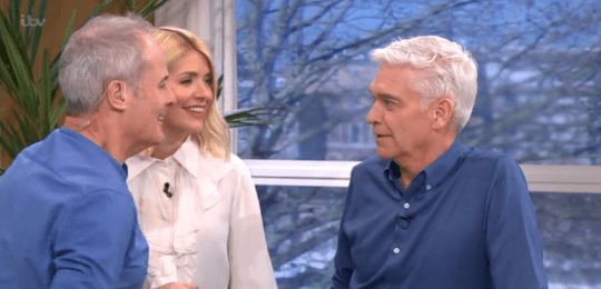 This Morning: Phillip Schofield clashes with Phil Vickery ...