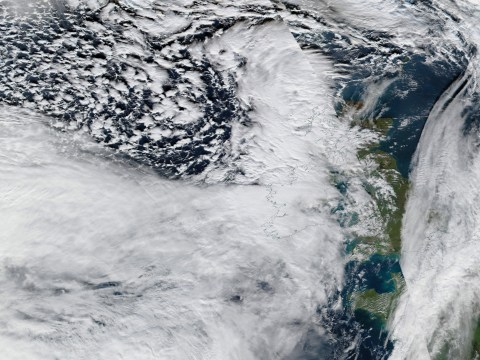 When will Storm Ciara end, are there any travel warnings in place and what to do if your flight is cancelled?