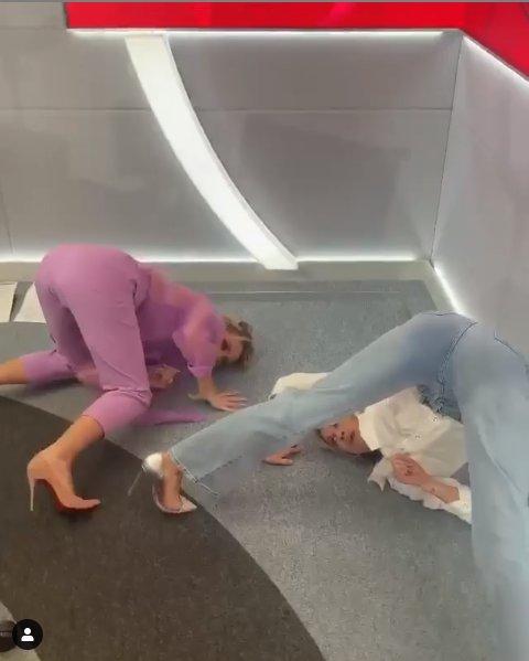 Amanda Holden The famous Ass move by @pussycatdolls thanks for the coaching @iamashleyroberts #pussycatdollchallenge