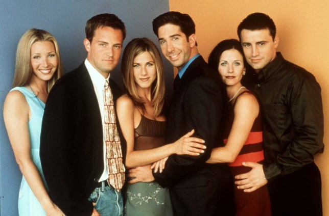 FRIENDS, AMERICAN SIT-COM L-R , LISA KUDROW AS PHOEBE; MATTHEW PERRY AS CHANDLER; JENNIFER ANISTON AS RACHEL; DAVID SCHWIMMER AS ROSS; COURTENEY COX AS MONICA; AND MATT LE BLANC AS JOEY COPYRIGHT SKY ONE
