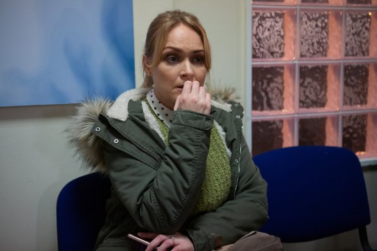 Veterinarian Vanessa Woodfield played by actress Michelle Hardwick.