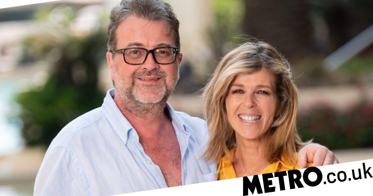 Kate Garraway joins clap for NHS amid husband Derek's coronavirus battle
