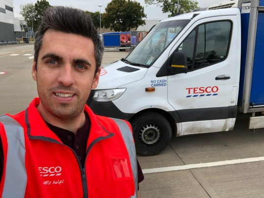 A BRITISH Airways pilot out of work due to coronavirus has landed a job as a Tesco delivery driver. Peter Login working for Tesco for the second time. TRIANGLE NEWS 0203 176 5581 // contact@trianglenews.co.uk By Andy Crick Peter Login has been saluted for his temporary change of career. The BA First Officer is used to flying 747s. But the airline has grounded all flights at Gatwick, they are reduced at Heathrow and 30,000 cabin crew and ground staff have been laid off *TRIANGLE NEWS DOES NOT CLAIM ANY COPYRIGHT OR LICENSE IN THE ATTACHED MATERIAL. ANY DOWNLOADING FEES CHARGED BY TRIANGLE NEWS ARE FOR TRIANGLE NEWS SERVICES ONLY, AND DO NOT, NOR ARE THEY INTENDED TO, CONVEY TO THE USER ANY COPYRIGHT OR LICENSE IN THE MATERIAL. BY PUBLISHING THIS MATERIAL , THE USER EXPRESSLY AGREES TO INDEMNIFY AND TO HOLD TRIANGLE NEWS HARMLESS FROM ANY CLAIMS, DEMANDS, OR CAUSES OF ACTION ARISING OUT OF OR CONNECTED IN ANY WAY WITH USER'S PUBLICATION OF THE MATERIAL*