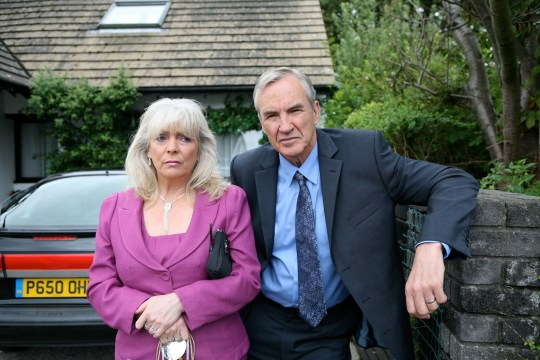 TELEVISION PROGRAMMES: GAVIN, & STACEY, STARRING ALISON STEADMAN AND LARRY LAMB. STRICTLY EMBARGOED UNTIL 00.01 hrs TUESDAY 17TH NOVEMBER 2009 PICTURE SHOWS: ALISON STEADMAN AS PAM AND LARRY LAMB AS MICK