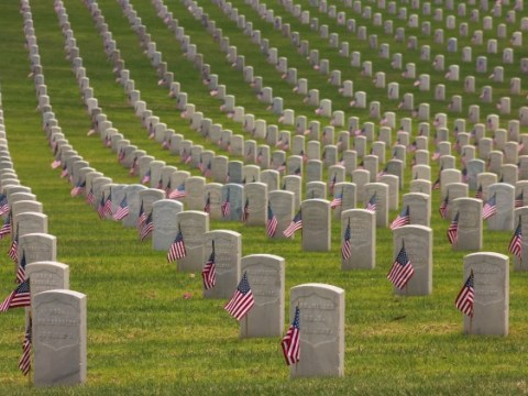 When is Memorial Day in the US and what does it commemorate?
