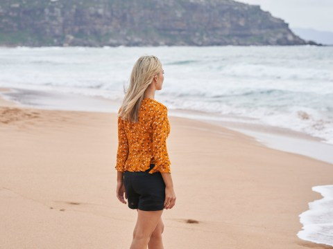 Home and Away spoilers: Jasmine walks into the ocean fully clothed
