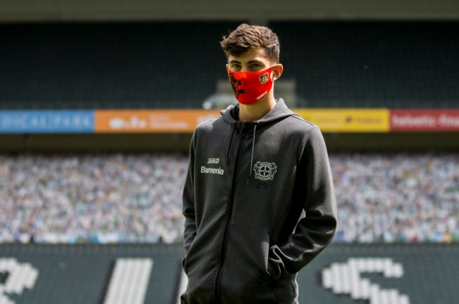 Kai Havertz wears a mask before a game