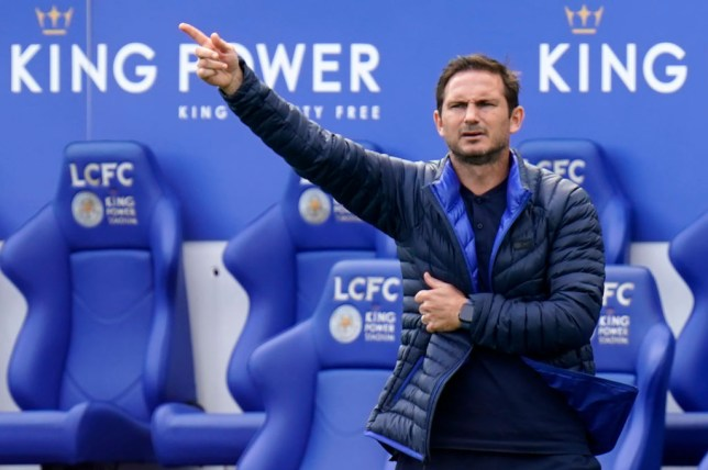 Frank Lampard gives orders during a Chelsea game