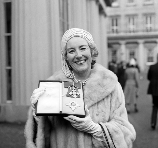 singer Dame Vera Lynn outside Buckingham Palace