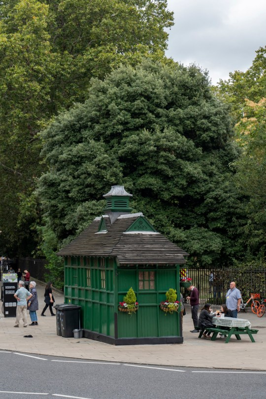 People queuing at a Cabmen's Shelter cafe at Russell Square on the 16th September 2019 in London in the United Kingdom. (photo by Sam Mellish / In Pictures via Getty Images)