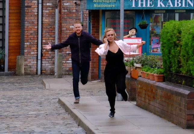 Gary and Sarah in Coronation Street