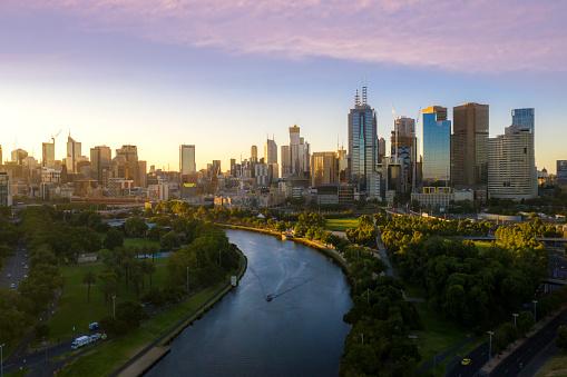 Coucher de soleil vue sur la rivière Yarra à Melbourne
