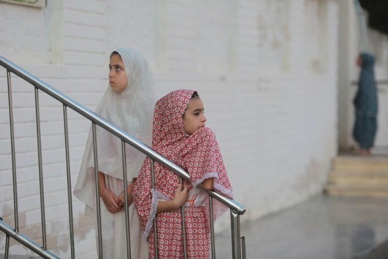 GAZA CITY, GAZA - 31 JUILLET: Les Palestiniens arrivent pour effectuer la prière de l'Aïd al-Adha dans la mosquée Palestine à Gaza City, Gaza le 31 juillet 2020 (Photo de Mustafa Hassona / Agence Anadolu via Getty Images)