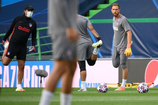 Chelsea target Jan Oblak in Atletico Madrid training
