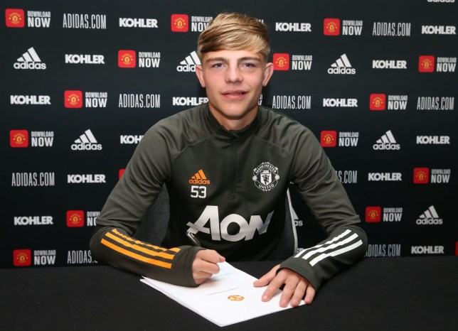 Brandon Williams has signed a new long-term contract at Manchester United