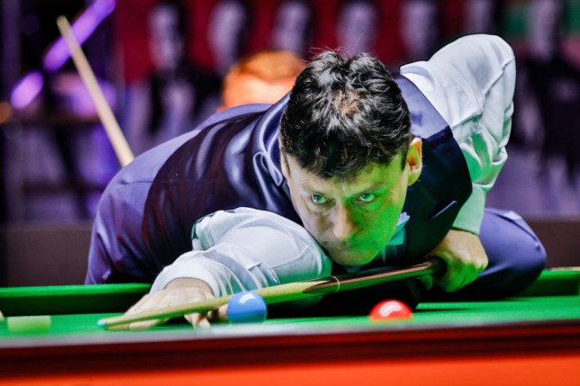 Jimmy White defeated Stephen Hendry in the World Senior Championships semi-final