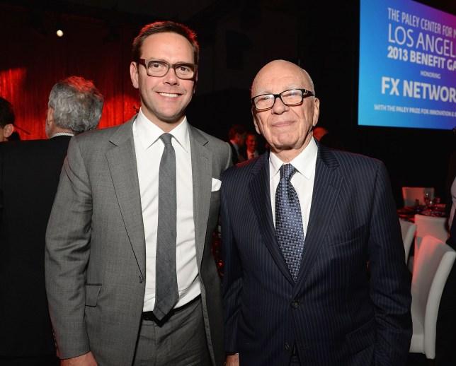 James Murdoch et PDG de News Corporation Rupert Murdoch assistent au gala-bénéfice 2013 du Paley Center for Media en l'honneur de FX Networks avec le prix Paley pour l'innovation et l'excellence au Fox Studio Lot le 16 octobre 2013 à Los Angeles, Californie.