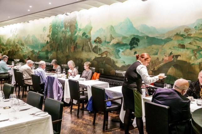 London, Tate Britain art museum gallery, Rex Whistler Restaurant. (Photo by: Jeffrey Greenberg/Education Images/Universal Images Group via Getty Images)