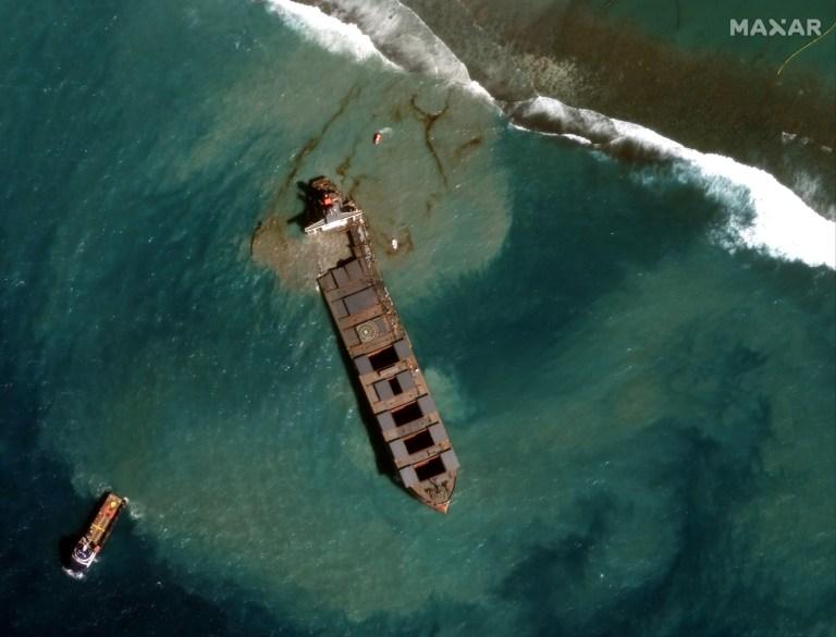 Une image satellite montre le MV Wakashio s'est échoué au large de Maurice.