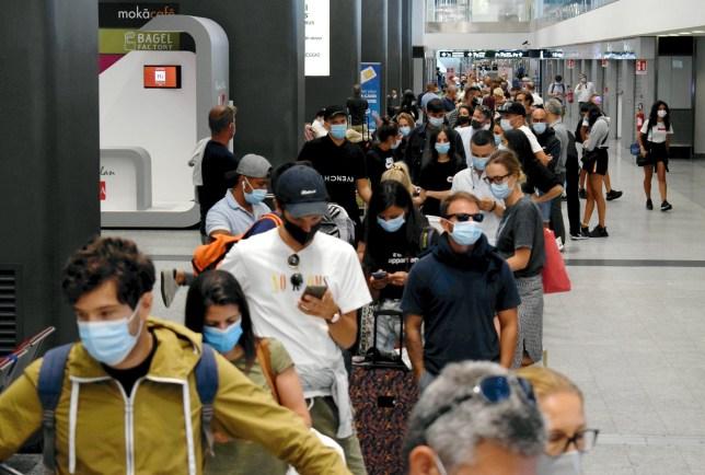 L'aéroport de Milan Malpensa sert de zone tampon pour le COVID-19 pour les passagers en provenance de pays à risque.  Photo: GV, vue générale Réf: SPL5182747 200820 NON EXCLUSIF Photo par: Maurizio Maule / Fotogramma / IPA / SplashNews.com Splash News and Pictures USA: +1310-525-5808 Londres: +44 (0) 20 8126 1009 Berlin : +49175 3764166 photodesk@splashnews.com Droits mondiaux, pas de droits français, pas de droits italiens