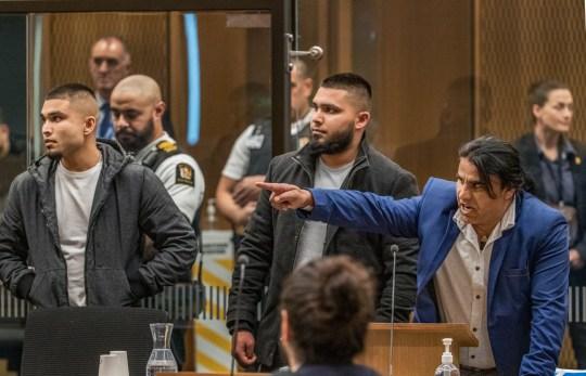CHRISTCHURCH, NOUVELLE-ZÉLANDE - 26 AOÛT: Abdul Aziz Wahabzadah est vu lors de l'audience de détermination de la peine du tireur de la mosquée de Christchurch Brenton Tarrant le 26 août 2020 à Christchurch, Nouvelle-Zélande.  Brenton Harrison Tarrant a été reconnu coupable de 92 chefs d'accusation relatifs à la pire fusillade de masse de l'histoire de la Nouvelle-Zélande.  L'Australien a été inculpé de 51 chefs d'accusation de meurtre et de 40 de tentative de meurtre ainsi que de participation à un acte de terrorisme après avoir ouvert le feu à la mosquée Al Noor et au centre islamique de Linwood à Christchurch le vendredi 15 mars 2019. 50 personnes ont été tuées et des dizaines ont été blessés tandis qu'un autre homme est décédé plus tard à l'hôpital.  (Photo de John Kirk-Anderson - Piscine / Getty Images)