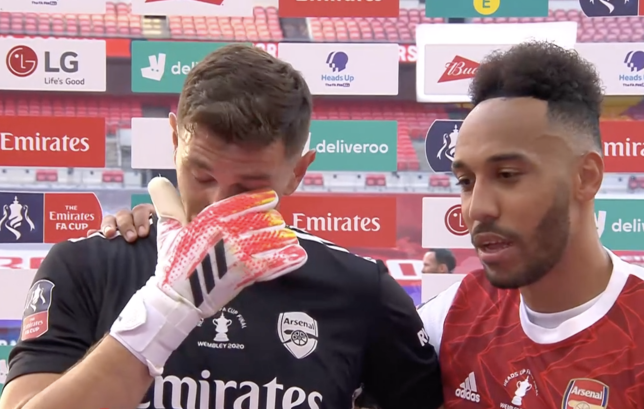 Aubameyang consoled the keeper