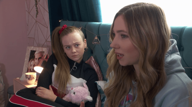 Peri and Juliet in Hollyoaks