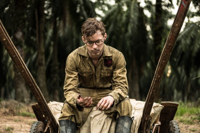 MAMMOTH SCREEN FOR ITV THE SINGAPORE GRIP EPISODE 1 Pictured: LUKE TREADAWAY as Matthew Webb. This photograph must not be syndicated to any other company, publication or website, or permanently archived, without the express written permission of ITV Picture Desk. Full Terms and conditions are available on www.itv.com/presscentre/itvpictures/terms For further information please contact: Patrick.smith@itv.com 0207 1573044